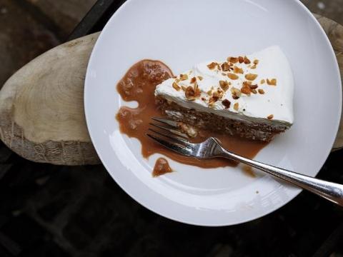 Torta od lešnika i karamele