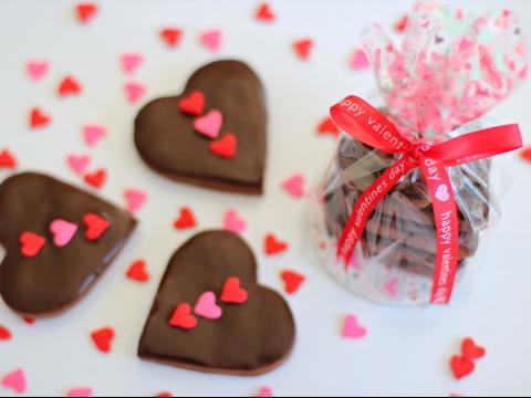 Čokoladni medenjaci sa cimetom i bademom