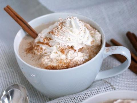 Prkosite hladnoći napitkom od bele čokolade