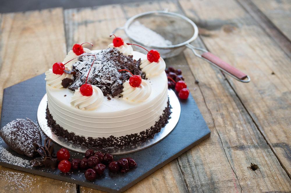 Čokoladna mousse torta sa šumskim voćem