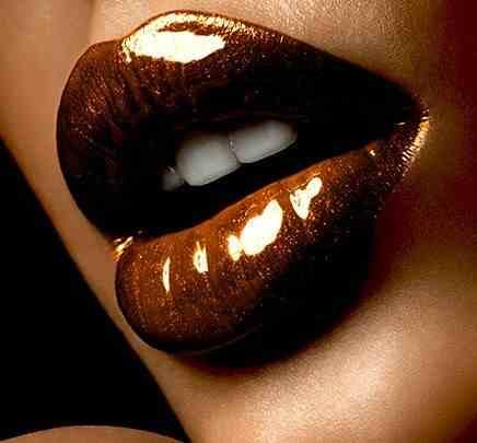 Piling za usne sa čokoladom