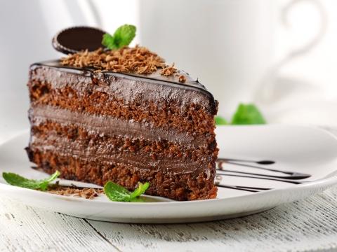 Čokoladna biskvit torta