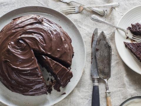 Kremasta čokoladna torta
