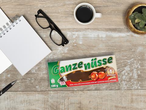 Dolce Vita mlečna čokolada sa celim lešnikom - dar koji izaziva osmeh