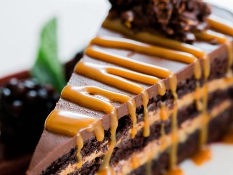 Karamel čokoladna torta