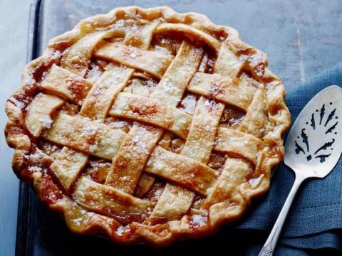 Karamelizovana pita od jabuka