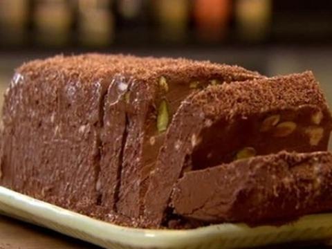 Semifreddo sa tamnom čokoladom i pistaćima