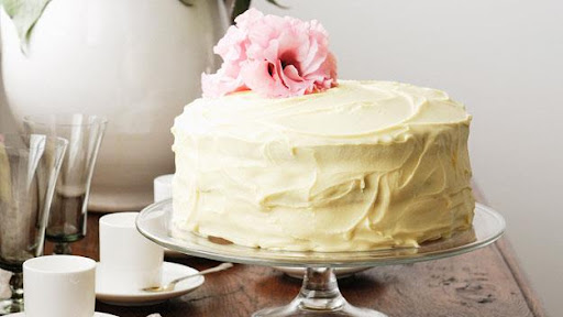 Beli čokoladni kolač