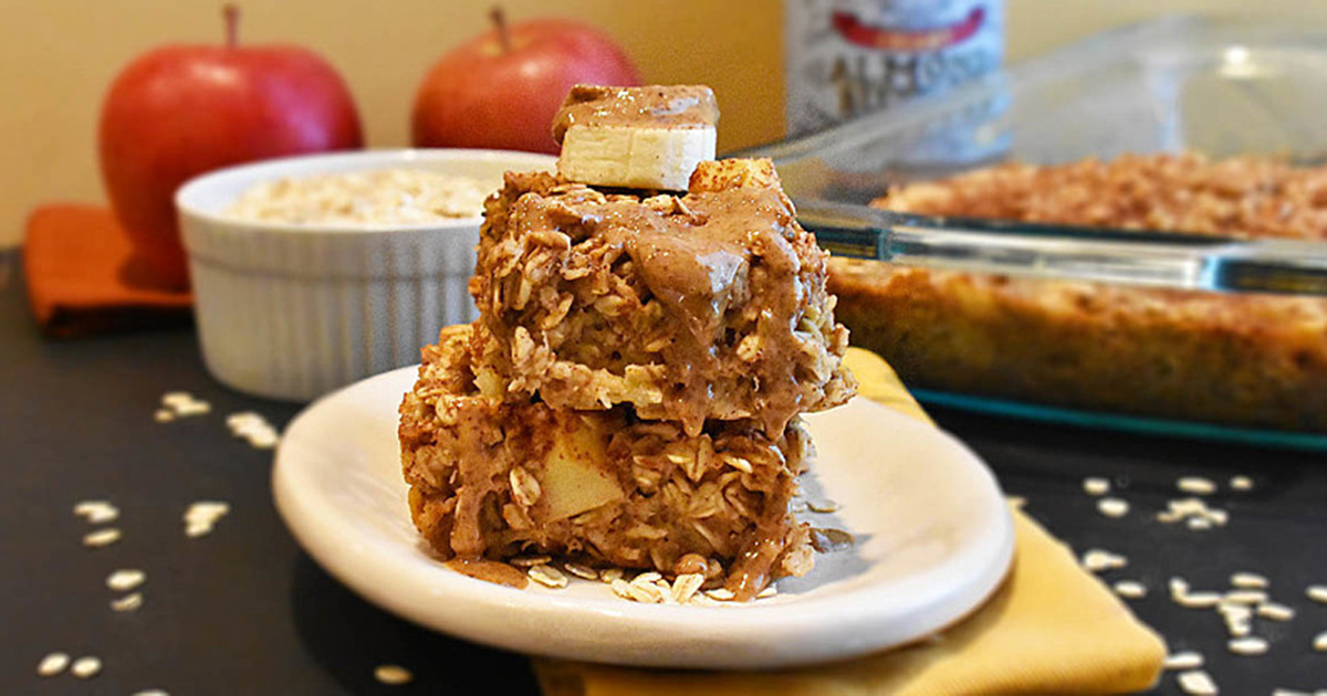 Zdrav kolač sa ovsenim pahuljicama, bananom i jabukom